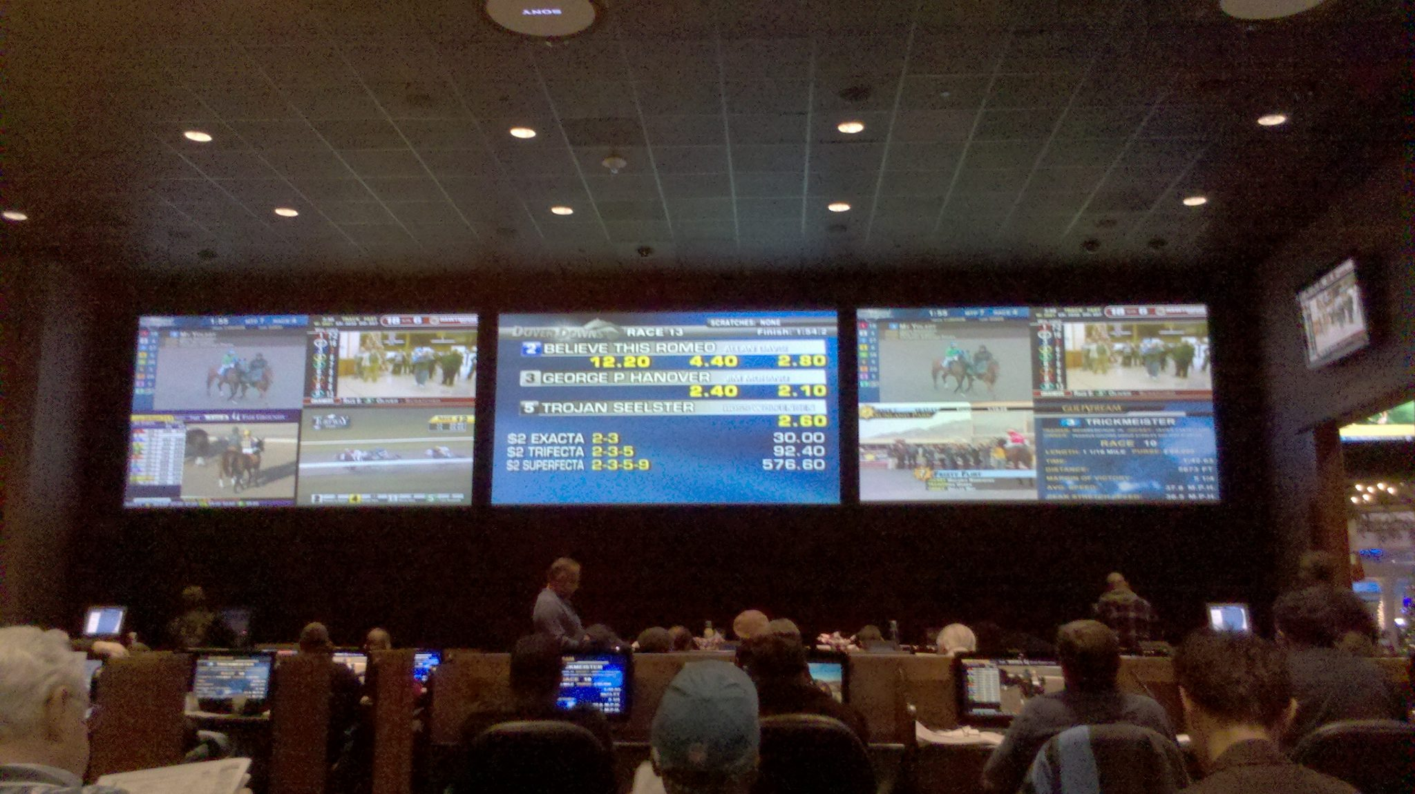 Dover Downs Sportsbook promotions